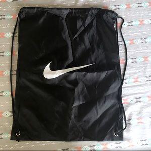 Nike Women Bags on Poshmark fdc29a7970